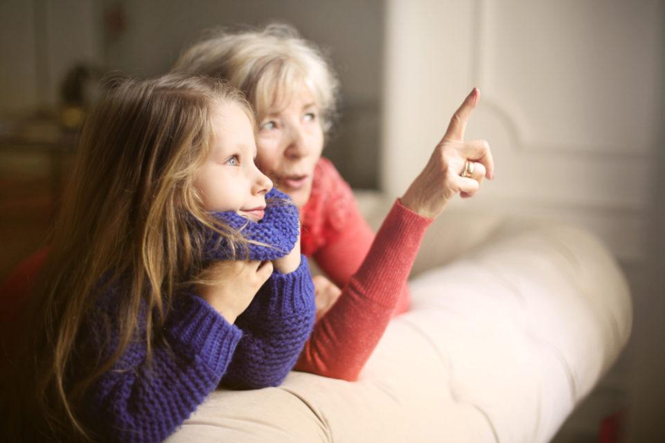 Besuchsverbot für Oma und Opa: Wie Familien reagieren